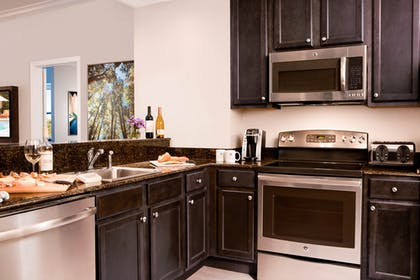 Kitchen | 2 Bedroom 2 Bath Resort View | The Grove Resort & Spa Orlando