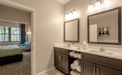 Bathroom | 3 Bedroom 2 Bath Deluxe View | The Grove Resort & Spa Orlando