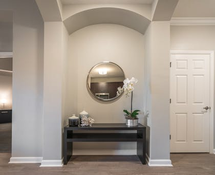 Hallway mirror | 3 Bedroom 2 Bath Deluxe View | The Grove Resort & Spa Orlando