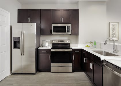 Kitchen | 3 Bedroom 2 Bath Deluxe View | The Grove Resort & Spa Orlando