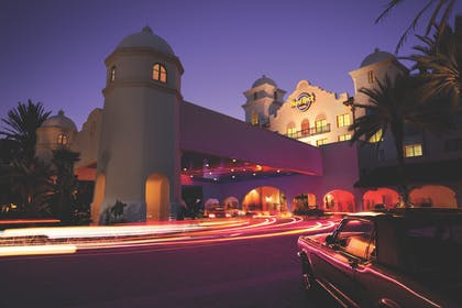 Night View Front Entrance | Universal's Hard Rock Hotel®