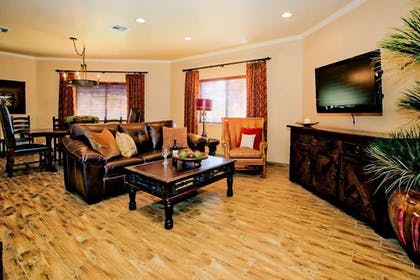 Living Area | Presidential Suite | Arizona Golf Resort - Phoenix, Mesa