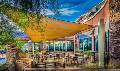 Outdoor Dining | Hilton Garden Inn Phoenix North Happy Valley