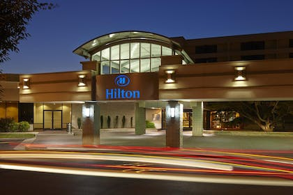 Hotel Exterior | Hilton North Raleigh/Midtown