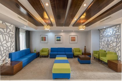 Lobby | DoubleTree Suites by Hilton Saltillo
