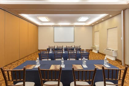 Meeting Room | DoubleTree Suites by Hilton Saltillo