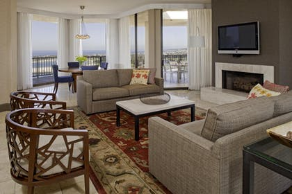 Living & Dining area | Penthouse | Hyatt Regency Mission Bay Spa and Marina