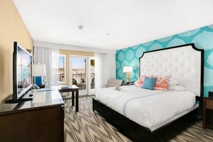 Junior Suite with Sofabed .jpg | Junior Suite, 1 King Bed with Sofa bed | Kona Kai Resort & Spa, A Noble House Resort