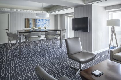Dining area | Signature Suite | King Room | Manchester Grand Hyatt San Diego