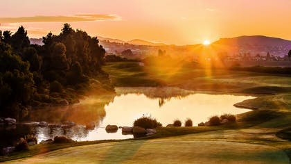 Aviara Golf  - 18th hole at sunrise | Park Hyatt Aviara Resort, Spa & Golf Club