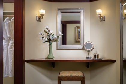 Vanity | Blacker Suite + Palisade Queen | The Lodge at Torrey Pines