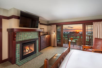 Bedroom | Makinson Suite | The Lodge at Torrey Pines