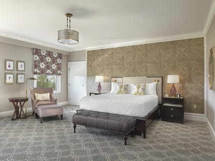 Bedroom | Junior Bay View Suite King | Claremont Club & Spa, A Fairmont Hotel