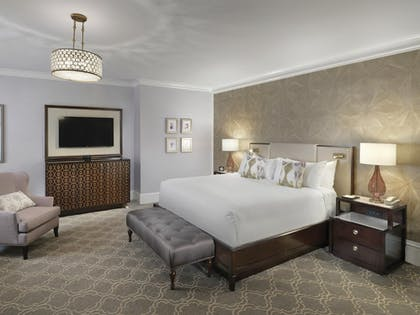 Bedroom | Signature Bay View Suite King | Claremont Club & Spa, A Fairmont Hotel