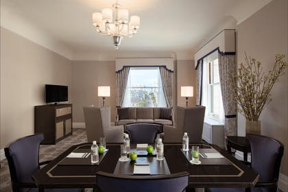 Living Room | Main Building Suite | Fairmont San Francisco
