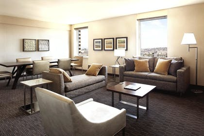 2774c674_z.jpg | 1 Bedroom Suite With Parlor | Hilton San Francisco Union Square