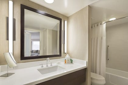 b3663a52_z.jpg | 1 Bedroom Suite With Parlor | Hilton San Francisco Union Square