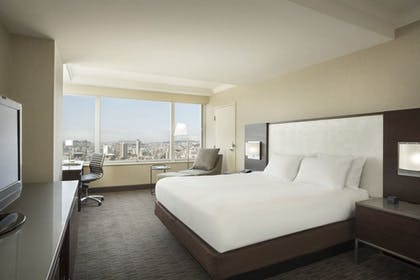 25622_301_z.jpg | 1 King Bed 1 Bedroom Suite | Hilton San Francisco Union Square