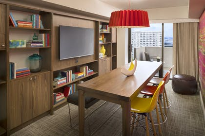 Library 2 | Luxury Suite | Hyatt Regency San Francisco