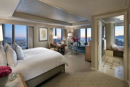 Bedroom | Golden Gate Suite | Loews Regency San Francisco