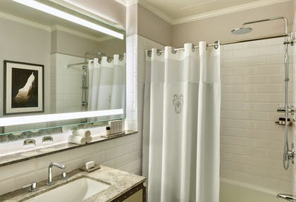 Bathroom 2 | Palace King Suite + Grand Deluxe King | Palace Hotel
