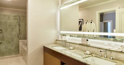 Bathroom | Palace King Suite + Grand Deluxe King | Palace Hotel