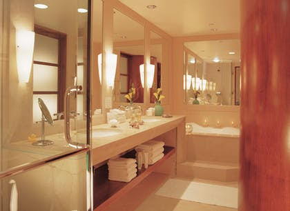 Bathroom | Campton Suite + California King | Taj Campton Place