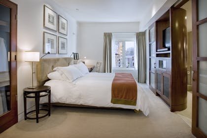 Bedroom | Executive Suite | Taj Campton Place
