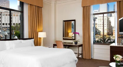 Bedroom | Classic Suite - Landmark Building | The Westin St. Francis San Francisco