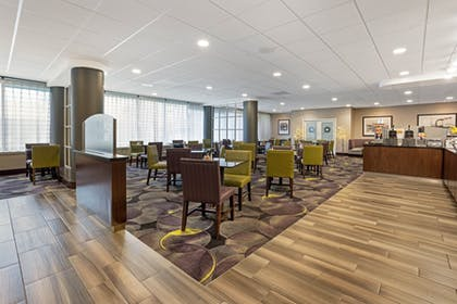 Complimentary Breakfast 2   La Quinta Inn & Suites by Wyndham Tacoma - Seattle