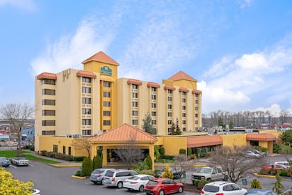 Exterior Day 2   La Quinta Inn & Suites by Wyndham Tacoma - Seattle