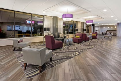 Lobby Seating   La Quinta Inn & Suites by Wyndham Tacoma - Seattle