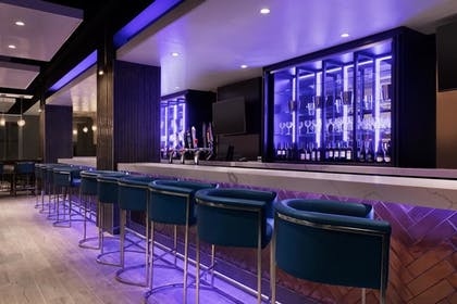 Hotel Bar | Embassy Suites by Hilton Toronto Airport