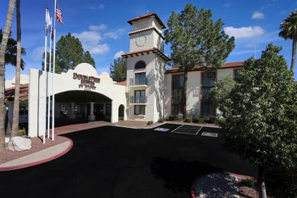 Hotel Exterior | DoubleTree Suites by Hilton Hotel Tucson Airport