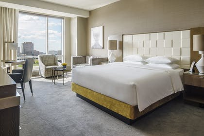 Bedroom | ADA Regency Suite King | Hyatt Regency Tysons Corner Center