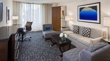 Living area | Executive Suite + King Room | Hyatt Regency Washington on Capitol Hill
