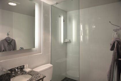 Bathroom | Studio Queen Queen with Kitchenette | Kimpton Carlyle Hotel Dupont Circle