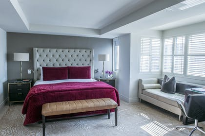 Bedroom | Luxury Suite without Balcony | The Dupont Circle Hotel