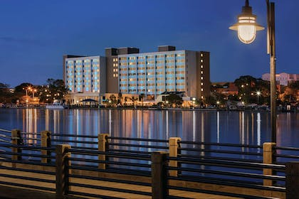 Night Exterior   Hotel Ballast Wilmington, Tapestry Collection by Hilton